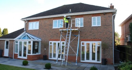 Safe spring roof maintenance with Easi-Dec