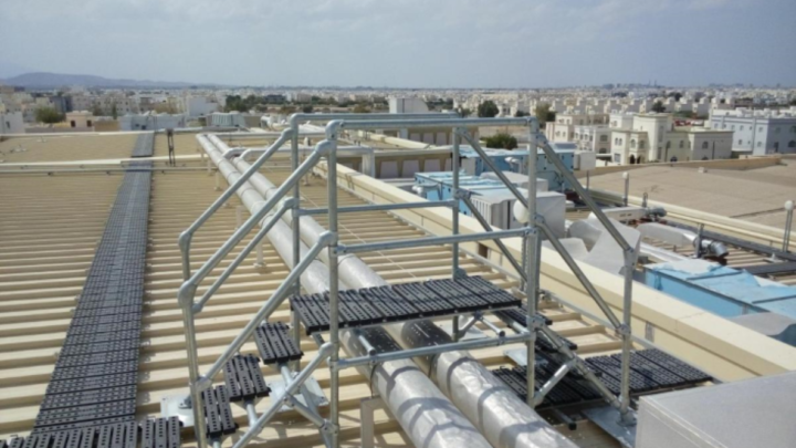 The dangers of industrial roofs and how to avoid them